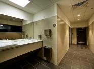 Přebalovací pult a toalety